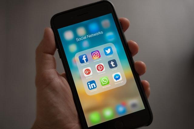 telefon-social-media-icons
